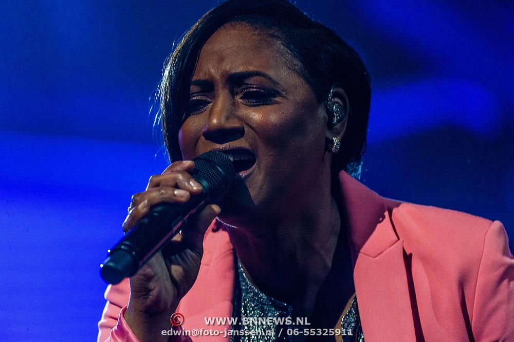 NLD/Amsterdam/20170317 - Holland zingt Hazes 2017, Edsilia Rombley