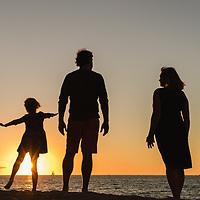 Jeremy Family Session in Peninsula Beach Puerto Vallarta, Mexico. Photo by: Juan Carlos Calderón.