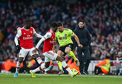 Enda Stevens of Sheffield United on the ball under pressure from Ainsley Maitland-Niles of Arsenal - Mandatory by-line: Arron Gent/JMP - 18/01/2020 - FOOTBALL - Emirates Stadium - London, England - Arsenal v Sheffield United - Premier League
