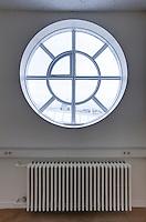 Heilsuverndarstöðin í Reykjavík er bygging sem stendur fyrir sunnan Sundhöllina við Barónsstíg, en önnur álman teygir sig niður Egilsgötuna. Húsið teiknaði Einar Sveinsson. Byggingin var vígð þann 2. mars 1957 eftir að hafa verið sjö ár í byggingu. Fyrsta deild hennar hóf starfsemi 1953.