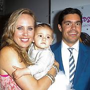 NLD/Amsterdam/20120718 - Boekpresentatie Regina Romeijn 'Vet man, zo'n baby!', Regina Romeijn met dochter Bardot en partner Erdem