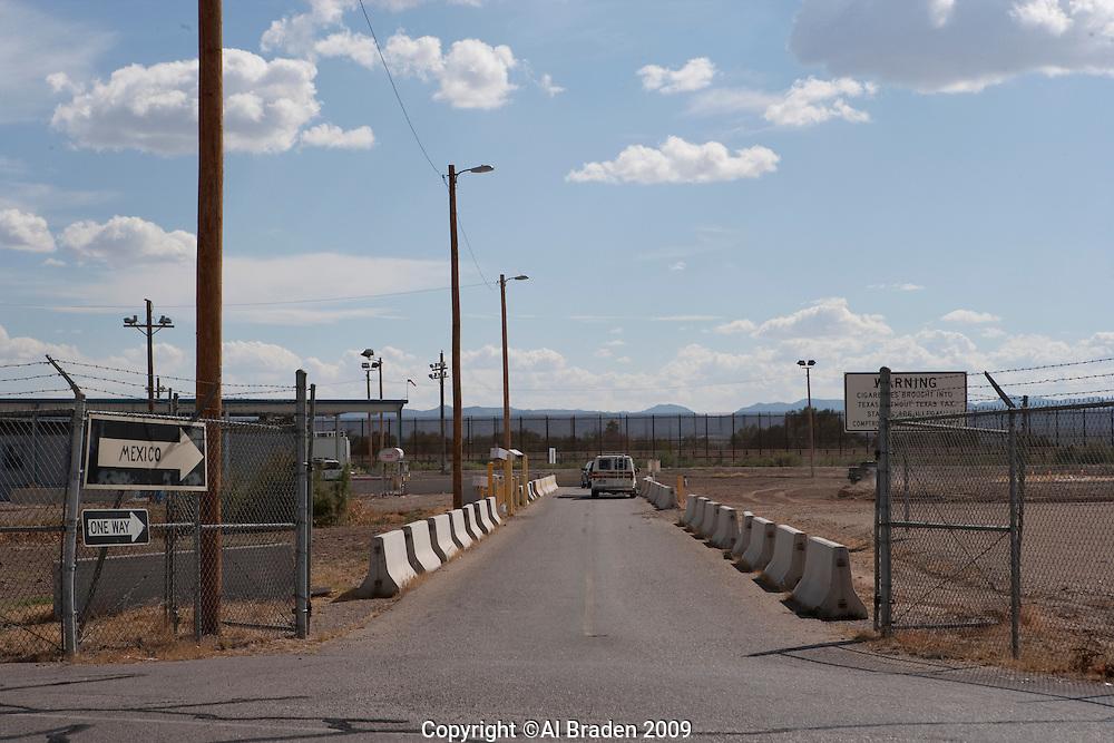 Border Crossing, Fabens, TX