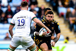 Kieran Brookes of Wasps takes on George Nott of London Irish - Mandatory by-line: Robbie Stephenson/JMP - 20/10/2019 - RUGBY - Ricoh Arena - Coventry, England - Wasps v London Irish - Gallagher Premiership Rugby