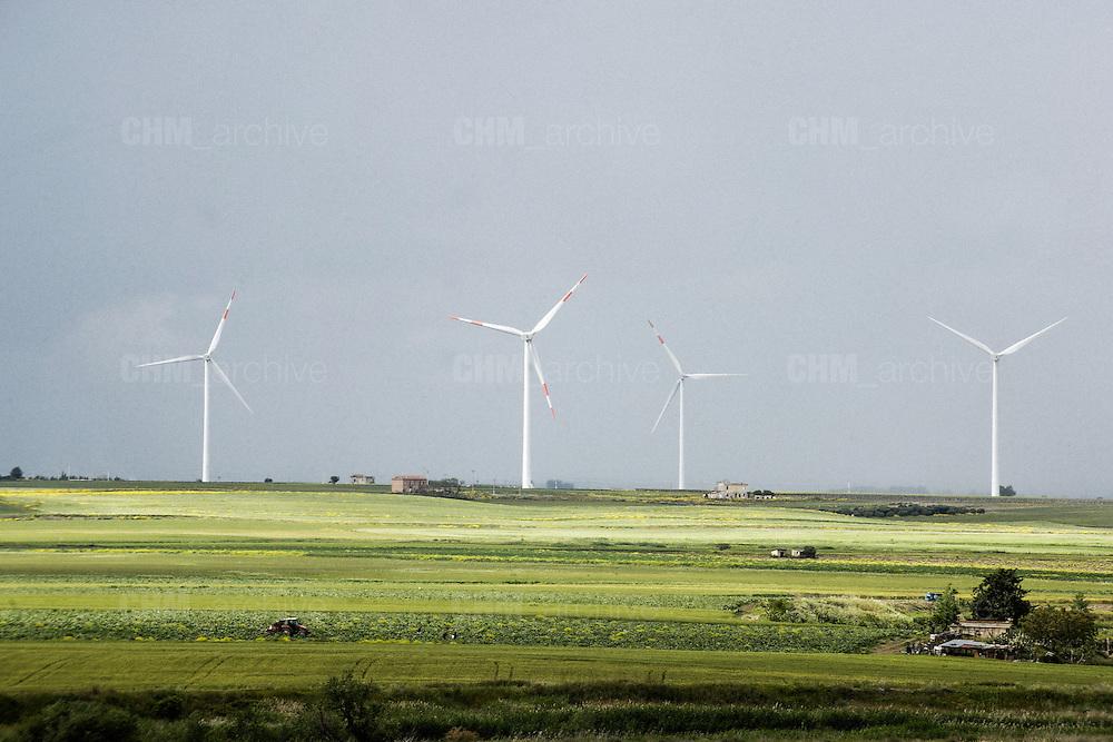 L'impianto eolico a Ordona, in provincia di Foggia. Ordona 29 Aprile 2014.  Christian Mantuano / OneShot