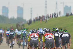 September 20, 2017 - Changde, China - Peloton of riders during the second stage of the 2017 Tour of China 2, the 97.6km Changde Lixiang Circuit Race. .On Wednesday, 20 September 2017, in Lixian County, Changde City, Hunan Province, China. (Credit Image: © Artur Widak/NurPhoto via ZUMA Press)