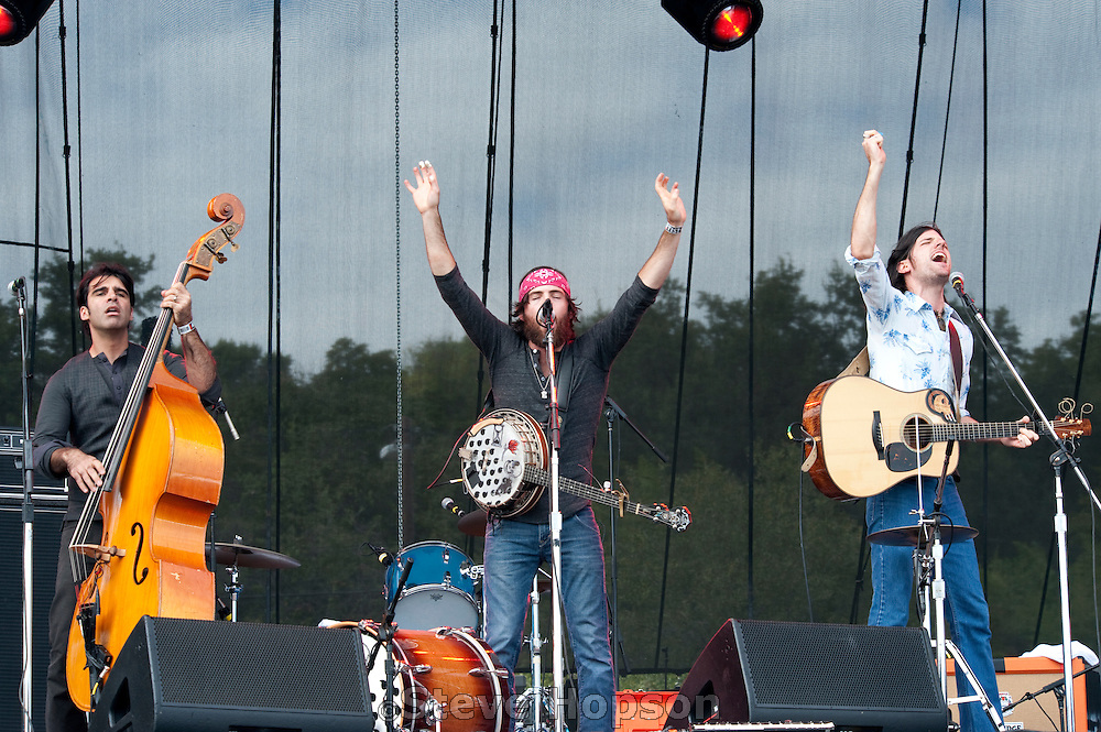 The Avett Brothers performing at the Austin City Limits Music Festival 2009, Austin Texas, October 2, 2009.   The Austin City Limits Music Festival is an annual three-day music festival in Austin, Texas's Zilker Park.