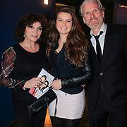 NLD/Haarlem/20130219 - Premiere Kramer vs. Kramer, Henriette Tol en partner Rob Snoek met dochter Louise