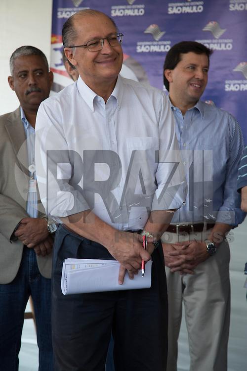 SAO PAULO, SP. 11 DE MAIO DE 2013. INICIO DAS OBRAS DO PARQUE CANDIDO PORTINARI. O governador Geraldo Alckmin,  durante evento de inicio das obras do parque.  O Parque ecológico Candido Portinari será instalado ao lado do Parque Vila Lobos, na zona oeste da capital paulista. FOTO ADRIANA SPACA/BRAZIL PHOTO PRESS