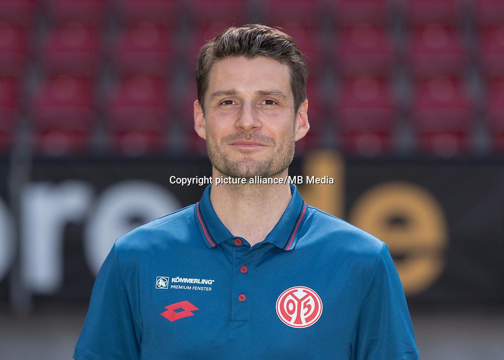 German Bundesliga, offical photocall 1. FSV Mainz 05 for season 2017/18 in Mainz, Germany: Alexander Tamm.  Foto: Thorsten Wagner/dpa | usage worldwide