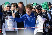 DE &nbsp;HOLLANDSE&nbsp;100 &nbsp;by &nbsp;LYMPH &nbsp;&amp; &nbsp;CO op FlevOnice te Biddinghuizen. Een duatlon bestaande uit twee onderdelen: schaatsen en fietsen. Het evenement wordt georganiseerd om geld op te halen voor Lymph&amp;Co dat zich inzet tegen lymfklierkanker.<br /> <br /> Op de foto:  Prins Pieter-Christiaan (M) en Jochem Uytdehaage (R)