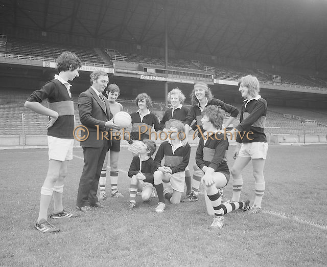 A group of Mountmellick students being taught about Gaelic football on their visit Croke Park on the 29th October 1975.