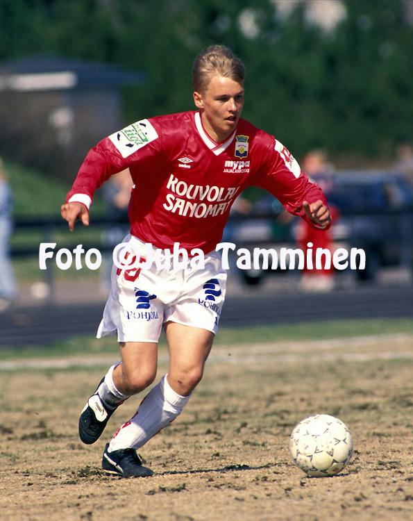 02.05.1993.Toni Huttunen- Myllykosken Pallo-47. .©JUHA TAMMINEN