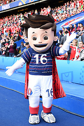 18.06.2016, Parc de Princes, Paris, FRA, UEFA Euro, Frankreich, Portugal vs Oesterreich, Gruppe F, im Bild Euro Maskottchen Super Victor // during Group F match between Portugal and Austria of the UEFA EURO 2016 France at the Parc de Princes in Paris, France on 2016/06/18. EXPA Pictures © 2016, PhotoCredit: EXPA/ Freshfocus/ Tim Groothuis<br /> <br /> *****ATTENTION - for AUT, SLO, CRO, SRB, BIH, MAZ, ITA only*****