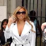 NLD/Amsterdam/20050716 - Mariah Carey verlaat het Blakes hotel in Amsterdam