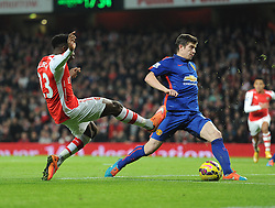 Arsenal's Danny Welbeck misses an early chance on goal. - Photo mandatory by-line: Alex James/JMP - Mobile: 07966 386802 - 22/11/2014 - Sport - Football - London - Emirates Stadium - Arsenal v Manchester United - Barclays Premier League