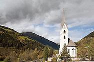 Church of St Leonard above Mörtschach in the Möll Valley, on the Alpe Adria Trail, Carinthia, Austria (October 2015) © Rudolf Abraham