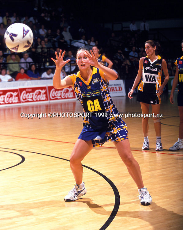 Adine Harper in action for the Otago Rebels, 1999. Photo: Neil MacKenzie/PHOTOSPORT