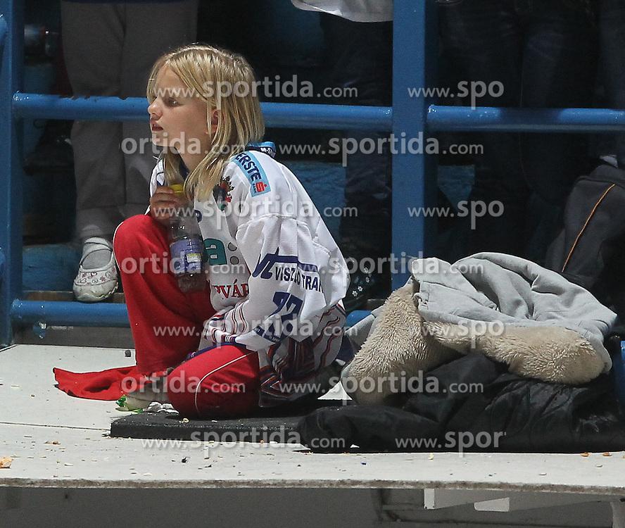 24.09.2010, Eishockeystadion, Szekesfehervar, HUN, EBEL, SAPA Fehervar AV19 vs Vienna Capitals, im Bild  eine Sporthanger EXPA Pictures © 2010, PhotoCredit: EXPA/ A. Kovacs