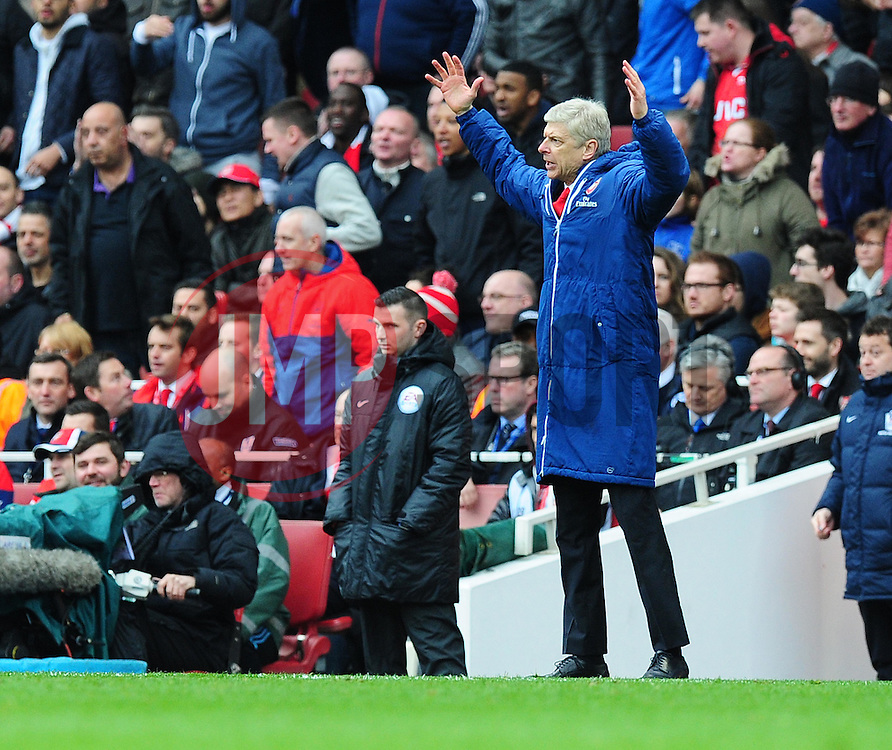 Arsenal Manager, Arsene Wenger reacts to Referee Anthony Taylor decision. - Photo mandatory by-line: Alex James/JMP - Mobile: 07966 386802 - 04/04/2015 - SPORT - Football - London - Emirates Stadium - Arsenal v Liverpool - Barclays Premier League