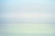 Moody ocean horizon.