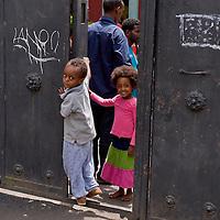 Migranti al centro di accoglienza  'Baobab'