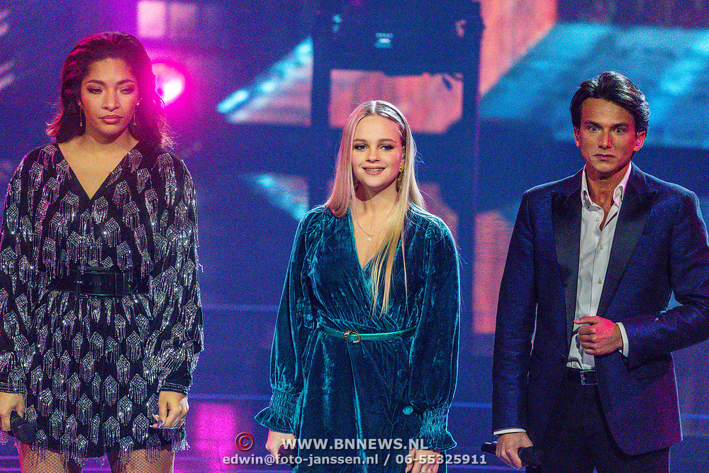 NLD/Hilversum/20200207 - Eerste lifeshow The Voice 2020, April D'ArbySophia Kruithof, Sanillo Kuiters