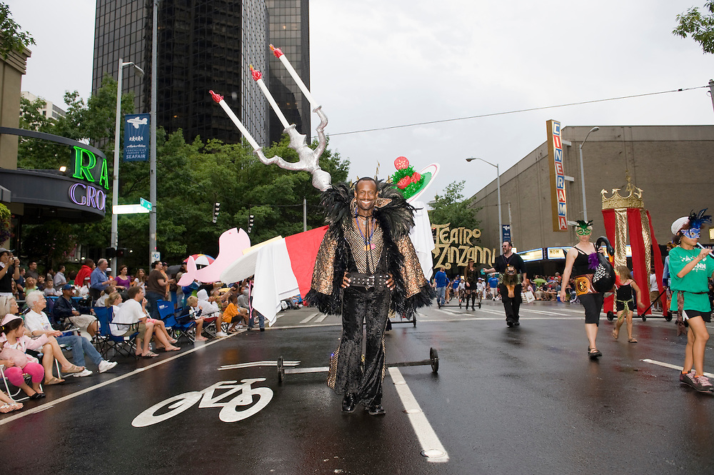 SEAFAIR TORCHLIGHT PARADE -