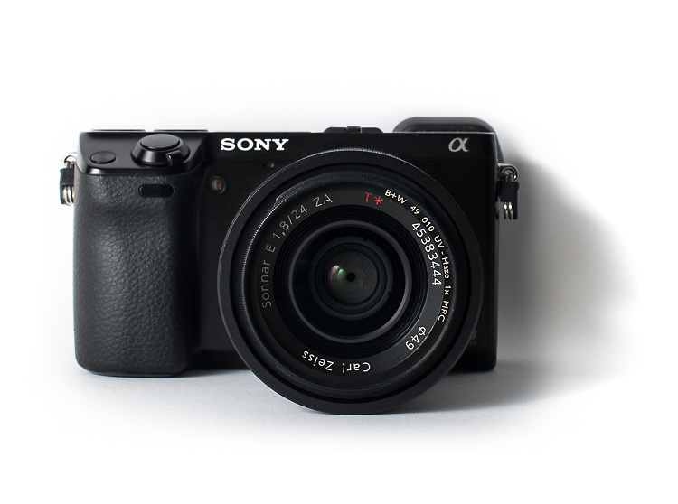 Sony Alpha NEX-7 with Sony Carl Zeiss Sonnar E 1.8/24 ZA lens