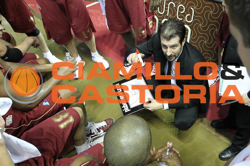 DESCRIZIONE : Venezia Lega Basket A2 2010-11 Umana Reyer Venezia Prima Veroli<br /> GIOCATORE : Andrea Mazzon Coach<br /> SQUADRA : Umana Reyer Venezia Prima Veroli<br /> EVENTO : Campionato Lega A2 2010-2011<br /> GARA : Umana Reyer Venezia Prima Veroli<br /> DATA : 16/01/2011<br /> CATEGORIA : Time Out<br /> SPORT : Pallacanestro <br /> AUTORE : Agenzia Ciamillo-Castoria/G.Contessa<br /> Galleria : Lega Basket A2 2009-2010 <br /> Fotonotizia : Venezia Lega A2 2010-11 Umana Reyer Venezia Prima Veroli<br /> Predefinita :