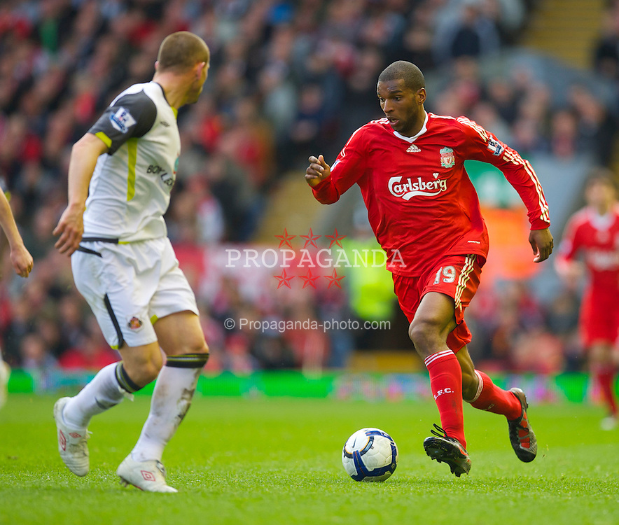 LIVERPOOL, ENGLAND - Sunday, March 28, 2010: Liverpool's Ryan Babel in action against Sunderland during the Premiership match at Anfield. (Photo by: David Rawcliffe/Propaganda)