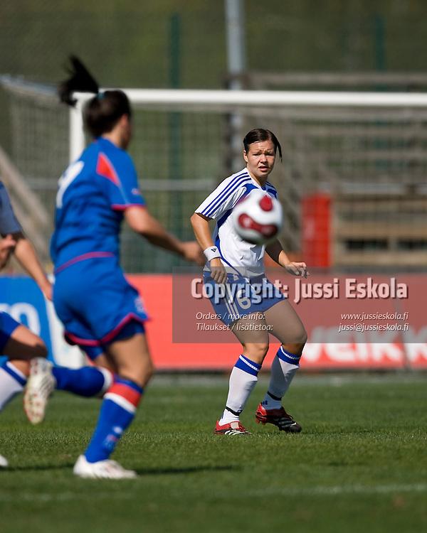 Tiina Salmen. Suomi - Islanti. Naisten maaottelu. Espoo 4.5.2008. Photo: Jussi Eskola