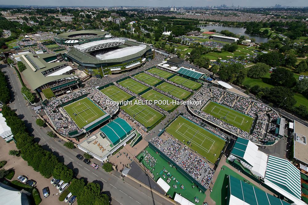 The Wimbledon Championships 2013<br /> The All England Lawn Tennis &amp; Croquet Club Wimbledon,<br /> Blick auf die Wimbledon Anlage aus der Luft,von oben,Querformat,Feature,