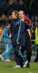 MARSEILLE, FRANCE - Tuesday, December 11, 2007: Liverpool's manager Rafael Benitez and Olympique de Marseille's Boudewijn Zenden during the final UEFA Champions League Group A match at the Stade Velodrome. (Photo by David Rawcliffe/Propaganda)