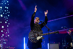 DOHA, QATAR - Friday, December 20, 2019: Ian Broudie of The Lightning Seeds performs at the official Fan Zone at the Doha Golf Club during the FIFA Club World Cup Qatar 2019. (Pic by David Rawcliffe/Propaganda)