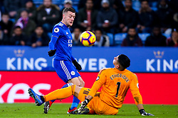 Jamie Vardy of Leicester City has a shot saved by Neil Etheridge of Cardiff City - Mandatory by-line: Robbie Stephenson/JMP - 29/12/2018 - FOOTBALL - King Power Stadium - Leicester, England - Leicester City v Cardiff City - Premier League