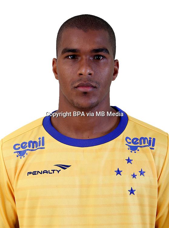 Brazilian Football League Serie A / <br /> ( Cruzeiro Esporte Clube ) - <br /> Elisson Aparecido Rosa &quot; Elisson &quot;