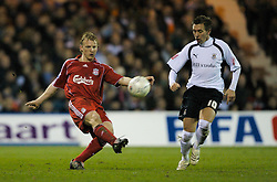 LUTON, ENGLAND - Sunday, January 6, 2008: Liverpool's Dirk Kuyt and Luton Town's Darren Currie during the FA Cup 3rd Round match at Keniworth Road. (Photo by David Rawcliffe/Propaganda)