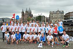 20-09-2015 NED: BvdGF loopt 10e Dam tot Damloop, Amsterdam<br /> De Bas van de Goor Foundation loopt vanaf het begin van haar bestaan mee met de Dam tot Damloop. Vandaag starten 50 lopers aan de 10de editie van de Bas van de Goor Foundation.
