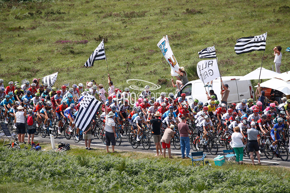 Illustration, Scenery, peloton, Fans, during the 105th Tour de France 2018, Stage 6, Brest - Mur de Bretagne Guerledan (181km) in France on July 12th, 2018 - Photo Luca Bettini / BettiniPhoto / ProSportsImages / DPPI