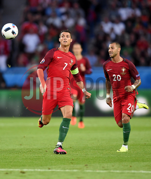 Cristiano Ronaldo of Portugal chases the loose ball  - Mandatory by-line: Joe Meredith/JMP - 18/06/2016 - FOOTBALL - Parc des Princes - Paris, France - Portugal v Austria - UEFA European Championship Group F