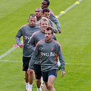 NLD/Katwijk/20110808 - Training Nederlands Elftal voor duel Engeland - Nederland, Rafael van der Vaart, Dirk Kuyt, John Heitinga