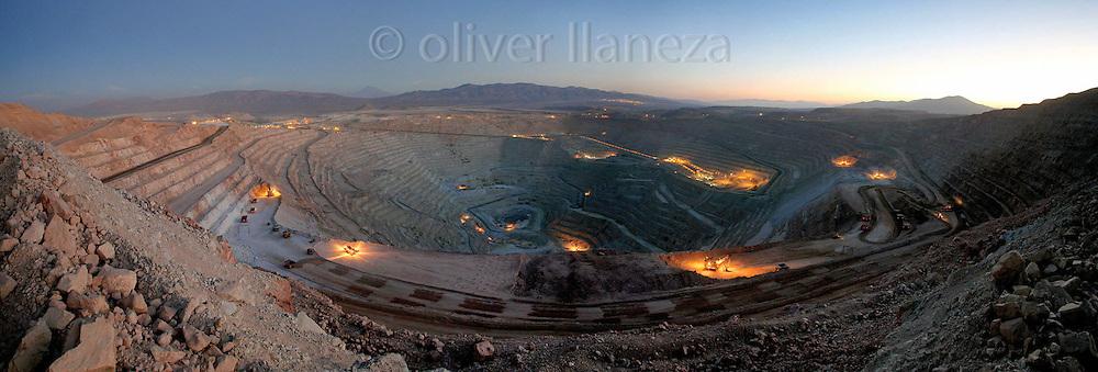 FOT&Oacute;GRAFO: Oliver Llaneza ///<br /> <br /> Vista Panor&aacute;mica de Rajo MInera Escondida