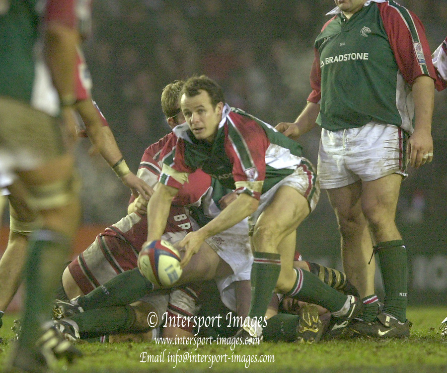 © Peter Spurrier/Intersport Images .Tel + 44 1494 783165 email images@Intersport-images.com.03/01/2004 - Photo  Peter Spurrier.2003/04 Zurich Rugby Premiership Leicester v Gloucester.Austin Healey