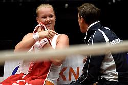 19-04-2015 NED: Fed Cup Nederland - Australie, Den Bosch<br /> Op het gravelcourt van de Maaspoort speel Nederland voor een ticket naar de wereldgroep / Kiki Bertens zet Nederland op een 2-1 voorsprong