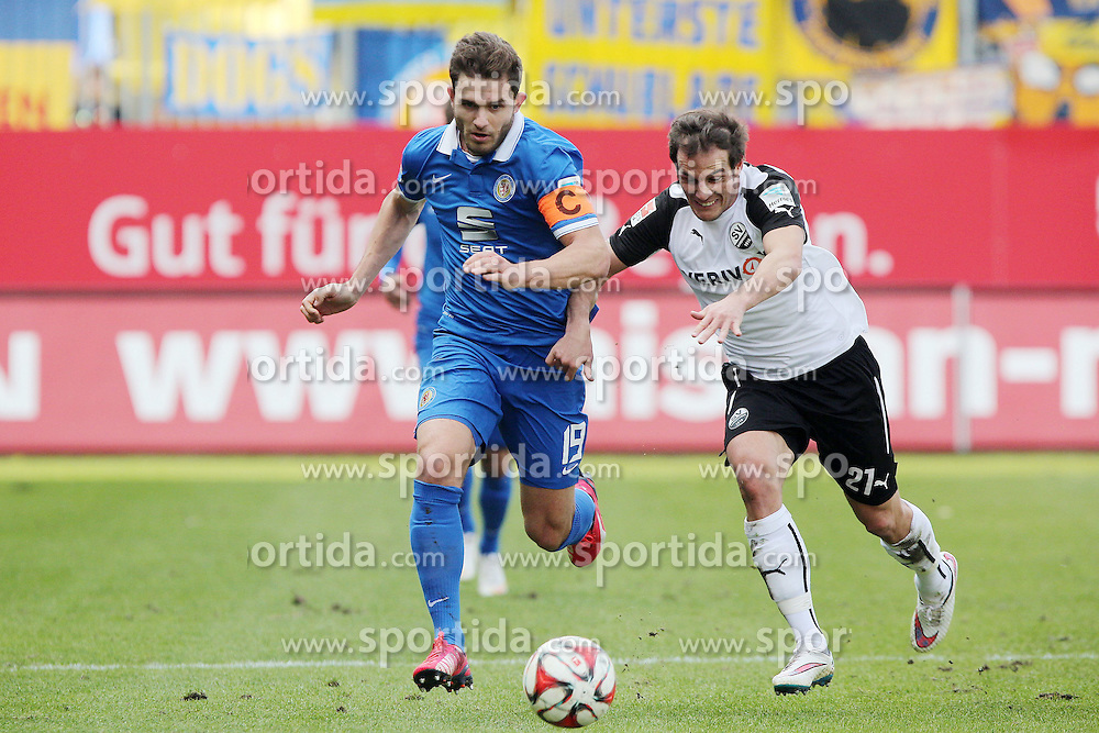 15.03.2015, Hardtwald, Sandhausen, GER, 2. FBL, SV 1916 Sandhausen vs Eintracht Braunschweig, 25. Runde, im Bild Manuel Stiefler (SV Sandhausen) im Laufduell mit Ken Reichel (Eintracht Braunschweig) // during the 2nd German Bundesliga 25th round match between SV 1916 Sandhausen and Eintracht Braunschweig at the Hardtwald in Sandhausen, Germany on 2015/03/15. EXPA Pictures &copy; 2015, PhotoCredit: EXPA/ Eibner-Pressefoto/ Bermel<br /> <br /> *****ATTENTION - OUT of GER*****
