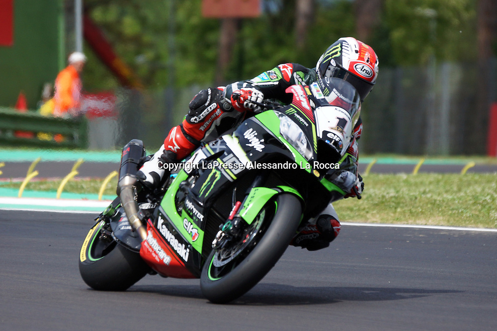 Foto Alessandro La Rocca/LaPresse<br /> 30-04-2016,    05 WorldSBK Motul Italian Round Imola, Autodromo Enzo e Dino Ferrari- 2016<br /> Sport-Motociclismo-WSBK <br />   05 WorldSBK Motul Italian Round Imola, Autodromo Enzo e Dino Ferrari- 2016<br /> nella foto:Jonathan Rea-Kawasaki Racing Team-2&deg; classif gara 1<br /> <br /> Photo Alessandro La Rocca/ LaPresse<br /> 2016 30 April,    05 WorldSBK Motul Italian Round Imola, Autodromo Enzo e Dino Ferrari- 2016<br /> Sport- WSBK<br />    05 WorldSBK Motul Italian Round Imola, Autodromo Enzo e Dino Ferrari- 2016<br /> in the photo:Jonathan Rea-Kawasaki Racing Team-2&deg; classif gara 1