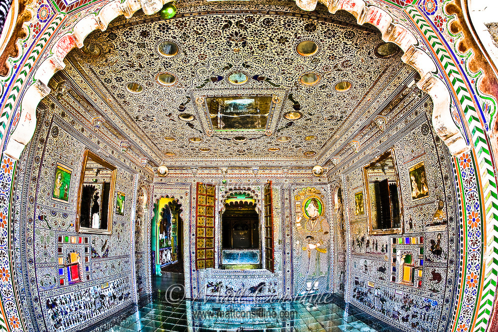 The mirror room was a de rigueur addition to any aspiring palace.<br /> (Photo by Matt Considine - Images of Asia Collection)