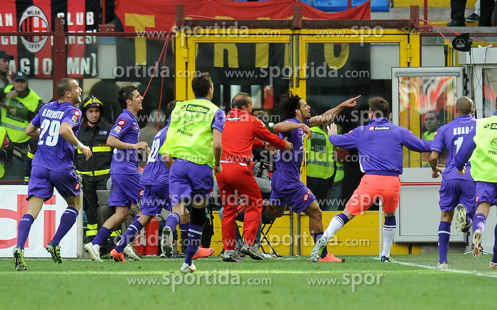 07.04.2012, Stadion Giuseppe Meazza, Mailand, ITA, Serie A, AC Mailand vs AC Florenz, 31. Spieltag, im Bild esultanza dopo il gol di Antonio CASSANO (Fiorentina) goal celebration // during the football match of Italian 'Serie A' league, 31th round, between AC Mailand and AC Florenz at Stadium Giuseppe Meazza, Milan, Italy on 2012/04/07. EXPA Pictures © 2012, PhotoCredit: EXPA/ Insidefoto/ Alessandro Sabattini..***** ATTENTION - for AUT, SLO, CRO, SRB, SUI and SWE only *****