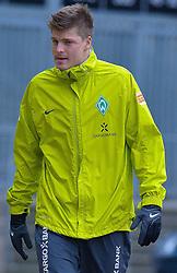 09.11.2010, Platz 5, Bremen, GER, Training Werder Bremen, im Bild  Sebastian Prödl / Proedl ( Werder #15)  auf den Weg zum Training   EXPA Pictures © 2010, PhotoCredit: EXPA/ nph/  Kokenge+++++ ATTENTION - OUT OF GER +++++