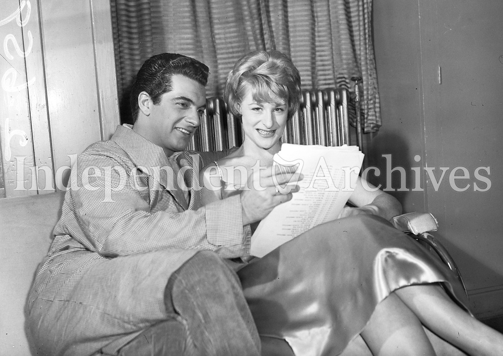 Frankie Vaughan and Geneieve Lyons. March 20, 1959. (Part of Independent Newspapers Ireland/NLI Collection)